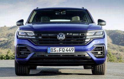 2020 Volkswagen Touareg R 7