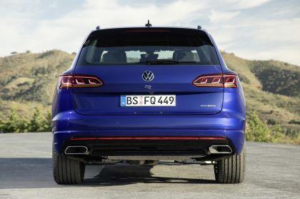 2020 Volkswagen Touareg R 8