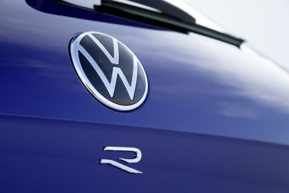 2020 Volkswagen Touareg R 15