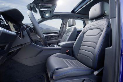 2020 Volkswagen Touareg R 47