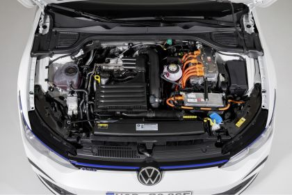 2020 Volkswagen Golf ( VIII ) GTE 8