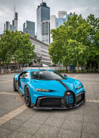 2020 Bugatti Chiron Pur Sport 65