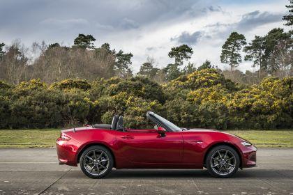 2020 Mazda MX-5 Convertible Sport Tech - UK version 3