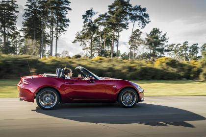 2020 Mazda MX-5 Convertible Sport Tech - UK version 18