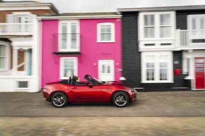 2020 Mazda MX-5 Convertible Sport Tech - UK version 42