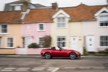 2020 Mazda MX-5 Convertible Sport Tech - UK version 45