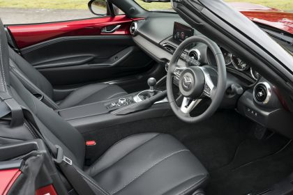2020 Mazda MX-5 Convertible Sport Tech - UK version 52