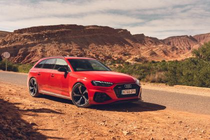 2020 Audi RS 4 Avant - UK version 106