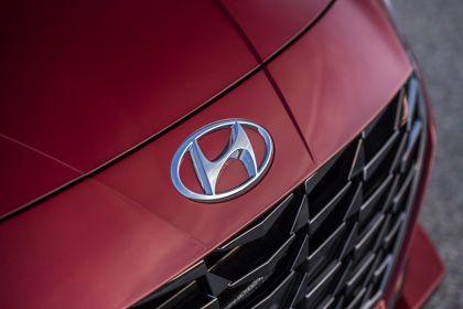 2021 Hyundai Elantra 17