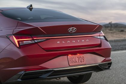 2021 Hyundai Elantra 20