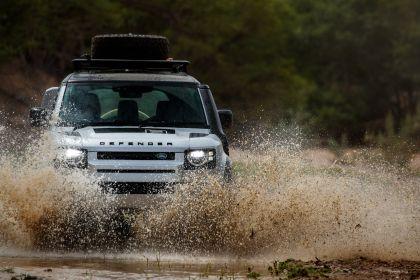 2020 Land Rover Defender 110 - UK version 24