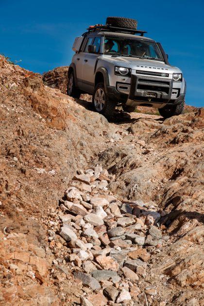 2020 Land Rover Defender 110 - UK version 28