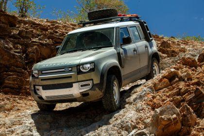 2020 Land Rover Defender 110 - UK version 30