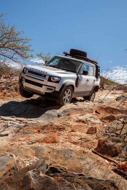 2020 Land Rover Defender 110 - UK version 43