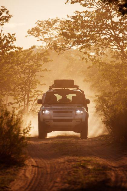 2020 Land Rover Defender 110 - UK version 50