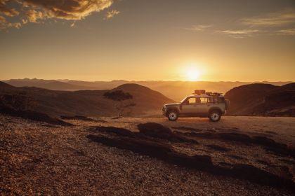 2020 Land Rover Defender 110 - UK version 57