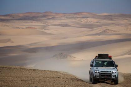 2020 Land Rover Defender 110 - UK version 64