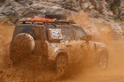 2020 Land Rover Defender 110 - UK version 68