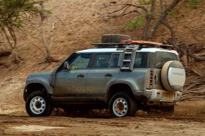 2020 Land Rover Defender 110 - UK version 70