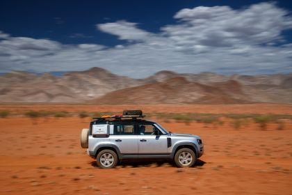 2020 Land Rover Defender 110 - UK version 71