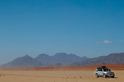 2020 Land Rover Defender 110 - UK version 72