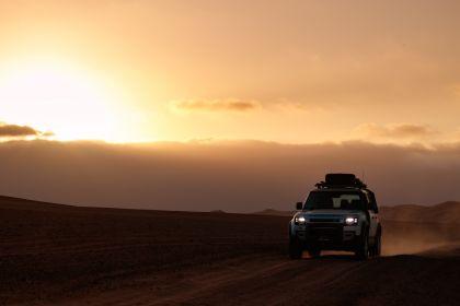 2020 Land Rover Defender 110 - UK version 75