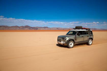 2020 Land Rover Defender 110 - UK version 76