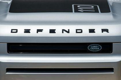 2020 Land Rover Defender 110 - UK version 82