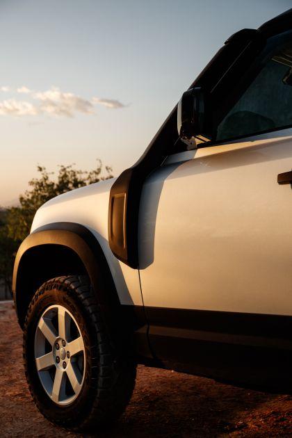 2020 Land Rover Defender 110 - UK version 84