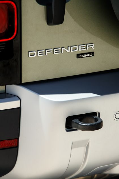2020 Land Rover Defender 110 - UK version 87