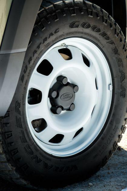 2020 Land Rover Defender 110 - UK version 90