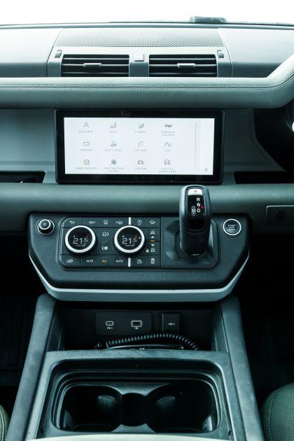 2020 Land Rover Defender 110 - UK version 103