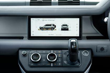 2020 Land Rover Defender 110 - UK version 104