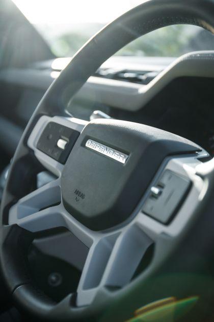 2020 Land Rover Defender 110 - UK version 108