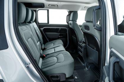 2020 Land Rover Defender 110 - UK version 111