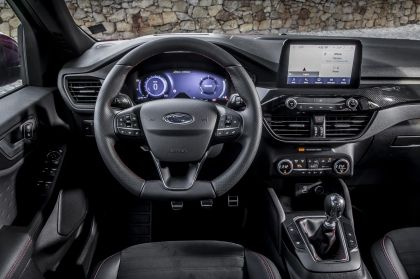 2020 Ford Kuga ST-Line X EcoBlue Hybrid 32