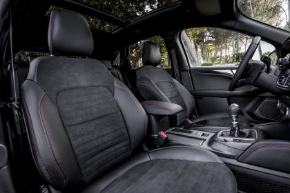 2020 Ford Kuga ST-Line X EcoBlue Hybrid 36