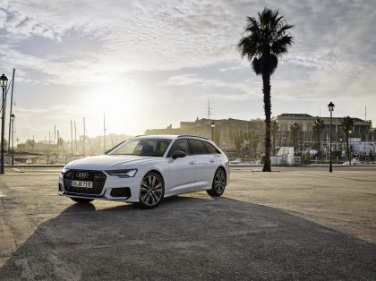 2020 Audi A6 Avant 55 TFSI e quattro 1