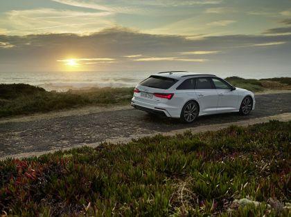 2020 Audi A6 Avant 55 TFSI e quattro 12