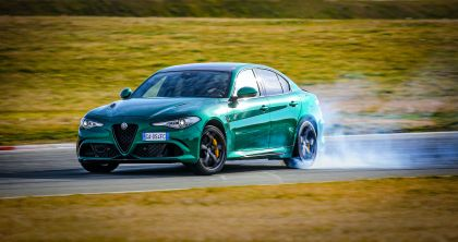 2020 Alfa Romeo Giulia Quadrifoglio 6