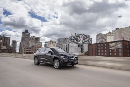 2021 Mercedes-Benz GLA 250 4Matic - USA version 17