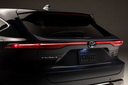 2021 Toyota Venza Limited 12