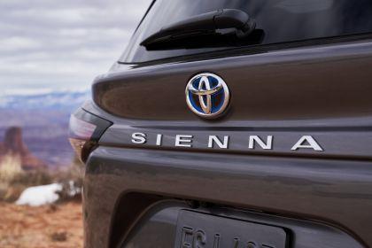 2021 Toyota Sienna Platinum 9