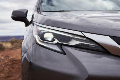 2021 Toyota Sienna Platinum 11