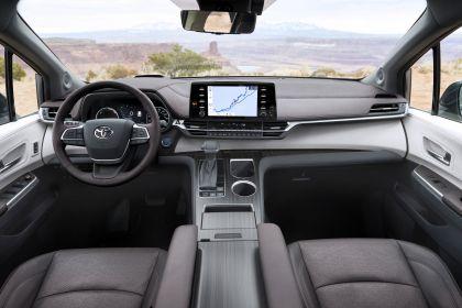 2021 Toyota Sienna Platinum 13