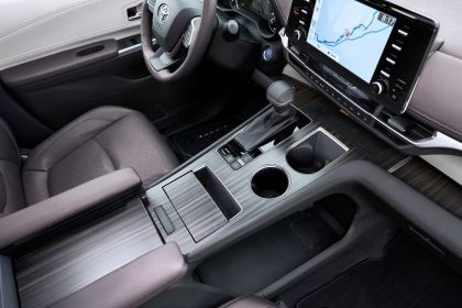 2021 Toyota Sienna Platinum 14