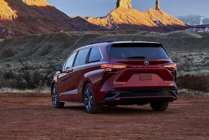 2021 Toyota Sienna XSE 4
