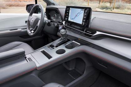 2021 Toyota Sienna XSE 10