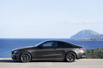 2020 Mercedes-AMG E 53 4Matic+ coupé 27