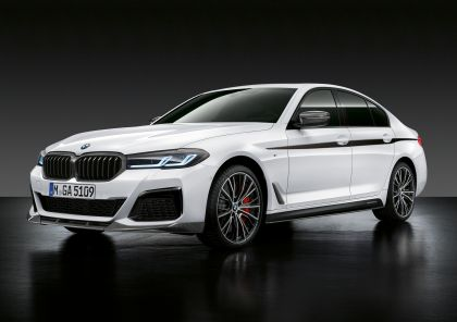 2021 BMW 540i ( G30 ) with M Performance parts 1